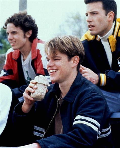Ben affleck and matt damon, as chuckie and will, in the l street tavern. att Damon, Ben Affleck and Casey Affleck on set of Good ...