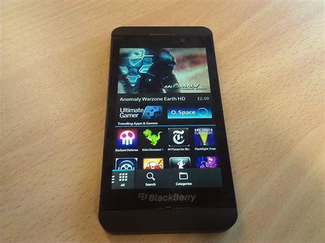 blackberry z10 smartphone gets software update it pro