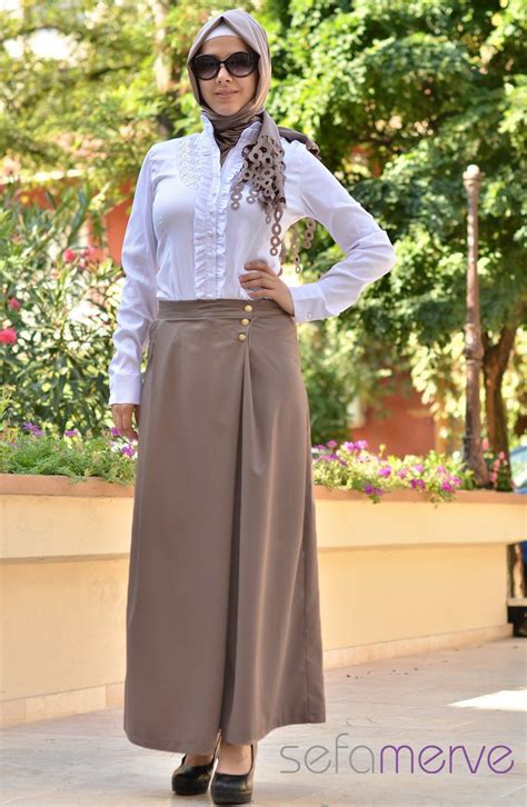 abaya turki looking skirt white shirt