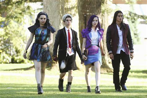 Cast Of Halloween 4 by Descendants Dcom Review Laughingplace Com