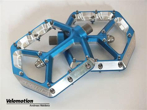 flat pedal test oozy flat pedal plattformpedale im test velomotion