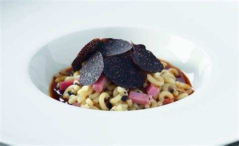 ecole de cuisine paul bocuse coquillettes au jambon et truffe jus d un rôti par