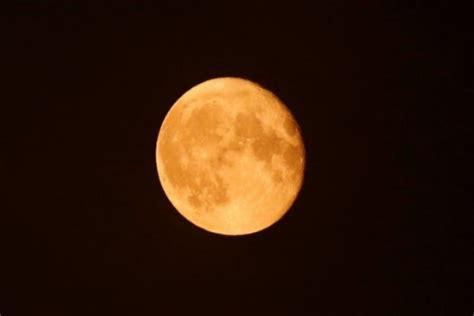 Bulan membutuhkan waktu 29,53 hari untuk bergerak dari satu titik oposisi itulah beberapa proses terjadinya gerhana bulan ini dari awal hingga akhir. Ini Tepatnya Kapan Gerhana Bulan Total Terjadi dan Dimana ...