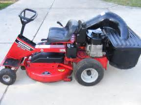 Snapper Hi-Vac Riding Lawn Mower with Bagger