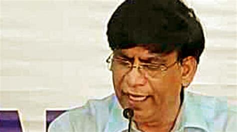 karnataka education minister plans vcs meet