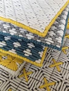 17 meilleures idees a propos de tapis en laine sur With tapis kilim avec canapé panoramique tissu