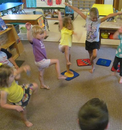 music and movement ideas for preschoolers preschool program learning 528