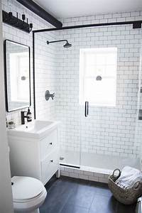 A modern meets traditional black and white bathroom for Black and white modern bathroom