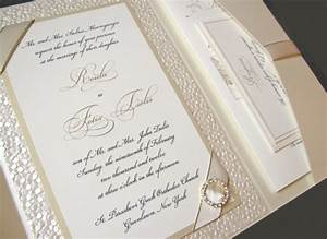 8 invitation ideas for your destination wedding abroad for Wedding abroad when to send invitations