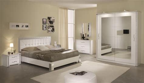 model chambre a coucher modele de chambre a coucher moderne dco noir et blanc