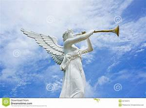 Statue Of Angel And Trumpet Stock Image - Image: 32755973