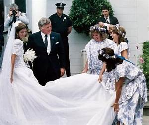 Caroline and john jfk pinterest edwin schlossberg for Tatiana schlossberg wedding dress
