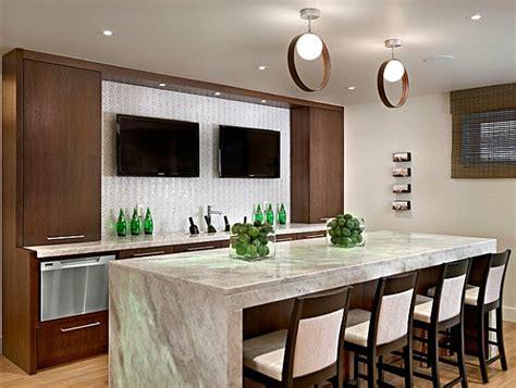 tv dans cuisine le plan de travail en marbre