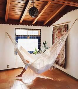 Hängematte Für Drinnen : 25 entspannende ideen eine h ngematte drinnen zu rocken beste inspiration ~ Buech-reservation.com Haus und Dekorationen