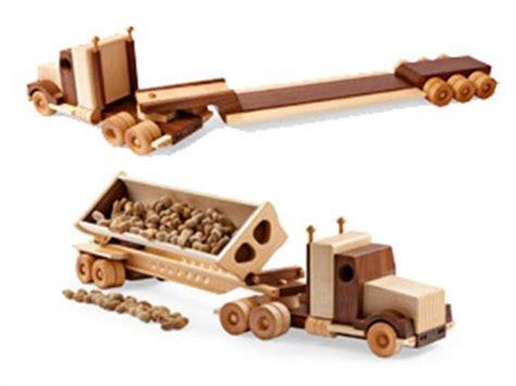 construction grade tractortrailer woodworking plan  wood magazine juguetes de madera