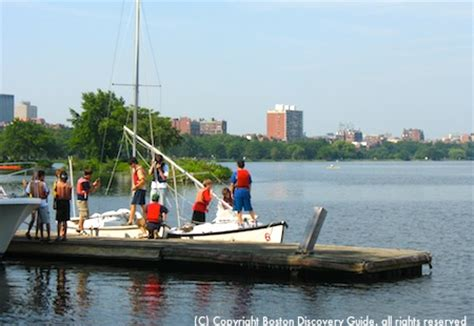 Boating In Boston Membership by Where To Go Sailing In Boston Charters Lessons Clubs