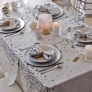 Nappe De Noel : nappe linge de table table elle d coration ~ Teatrodelosmanantiales.com Idées de Décoration
