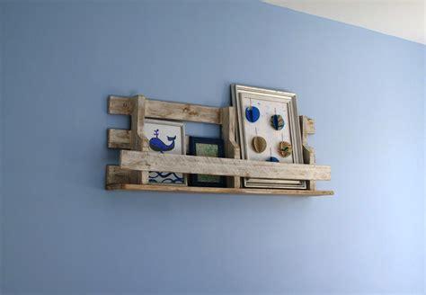etagere murale pour chambre fille etagère murale en palette petites bricoles en bois et cie