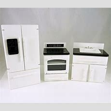 Dollhouse Miniature 3 Piece Whiteblack Kitchen Appliances