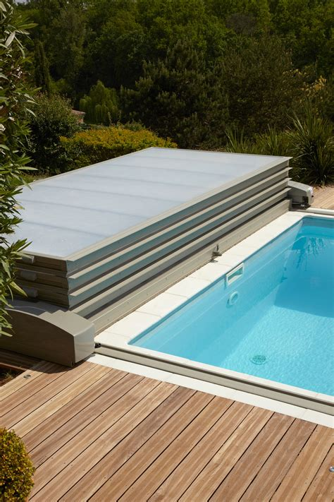 abri de piscine plat installation piscine hors sol exoteck