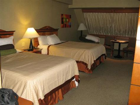 chambre d hotel las vegas chambre dans la pyramide picture of luxor las vegas las
