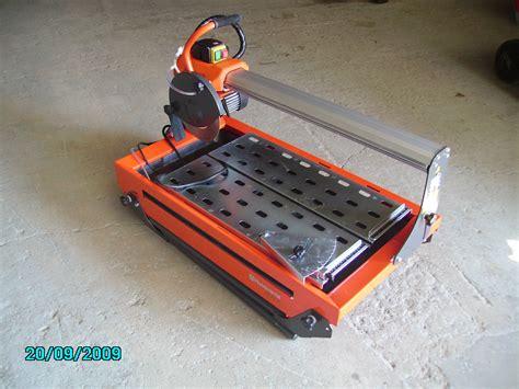 coupe carrelage electrique a eau 28 images d 233 coupe du carrelage coupe carreau manuel 233