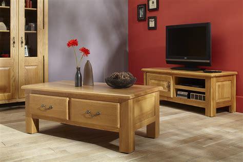 renover un canapé réussir sa déco avec des meubles en chene hellin hellin