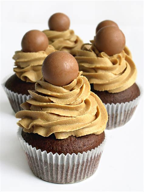 The only thing better than these simple to make chocolate cupcakes with a hint of coffee are topped with a chocolate and. Tina Vesić: DOUBLE COFFEE CHOCOLATE CUPCAKES