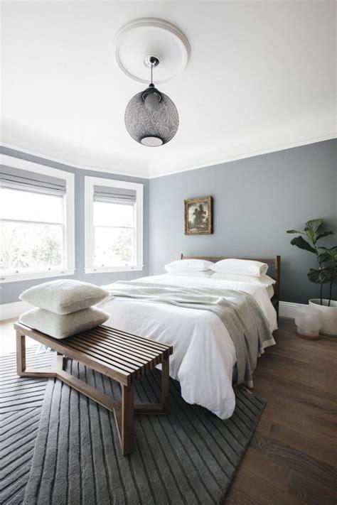 elegant  minimalist white bedroom design ideas