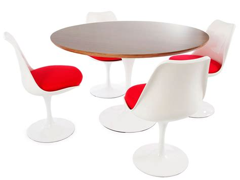 tulip table saarinen and 4 chairs