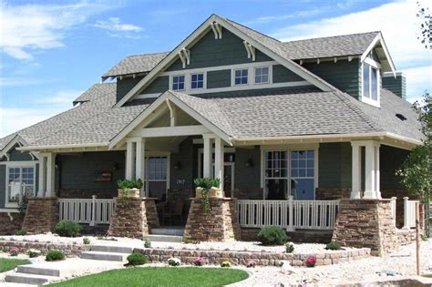 Art & Crafts House Plan With 4 Bedrooms  Home Plan #1611001