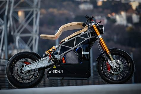 French Electric Motorcycle Claims 115-mile Range