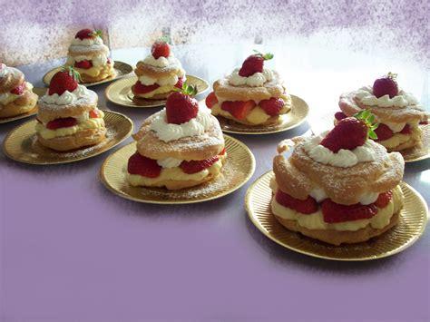dessert pate a choux choux aux fraises recettes de desserts plus de 1000 recettes sur cakesandsweets fr