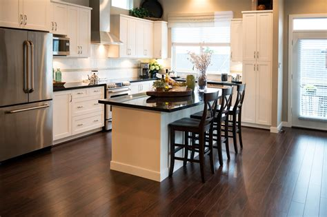 white cabinets with wood floors 5 hot kitchen design trends the allstate blog 762 | kitchen white cabinets wood floor iStock