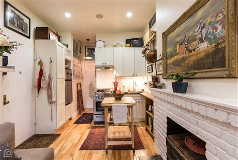 New York Couple Squeeze Into A Tiny 242-square-foot Prewar