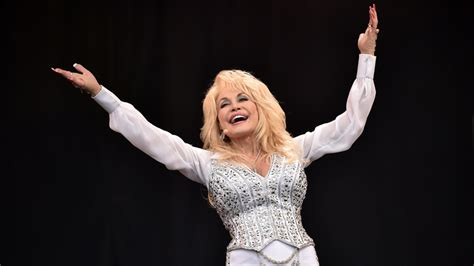 Dolly Parton has advice for a 'divided' America | CTV News