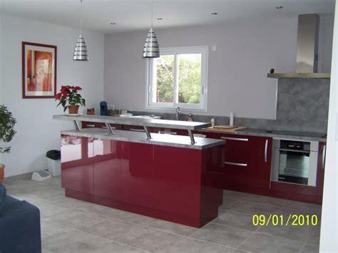 cuisine et salon moderne cuisine moderne bordeau et meuble palissandre sos