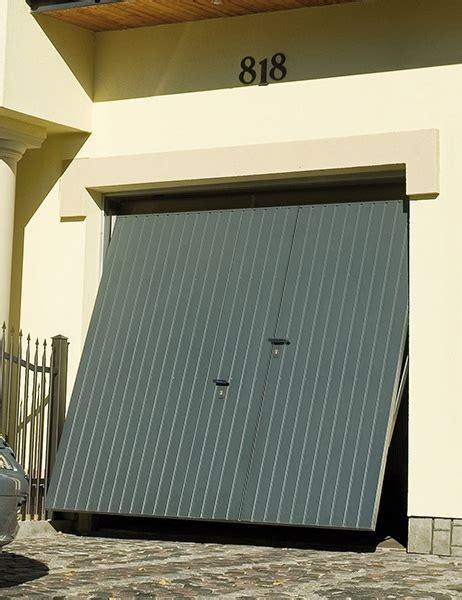 porte de garage basculante avec portillon int 233 gr 233