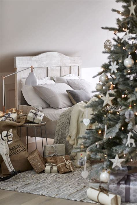 christmas bedroom ideas  pinterest christmas
