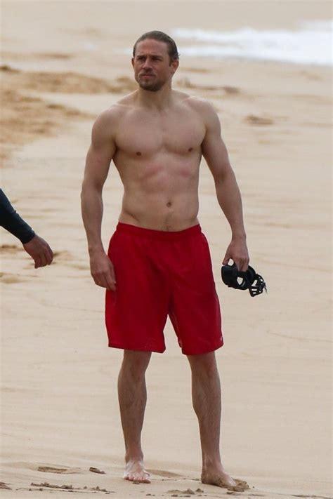 ben affleck  charlie hunnam  shirtless  training