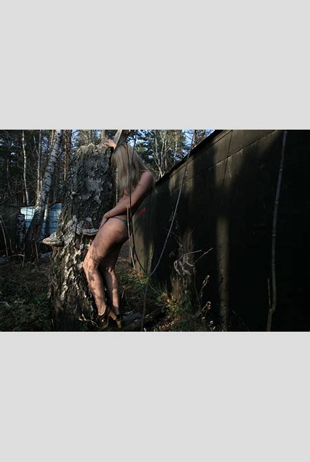 Blonde teen undressing behind garages | Russian Sexy Girls | 7sar.ru