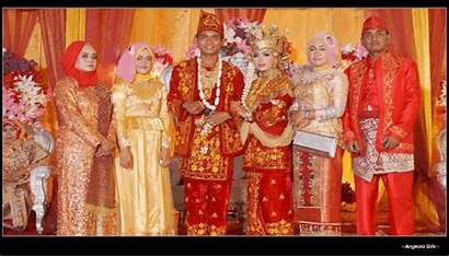 Indonesian Jambi Traditional Clothes Macam Angkola Status