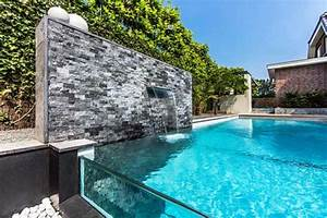 Steinmauer Mit Wasserfall : 101 erstaunliche bilder von pool im garten ~ Markanthonyermac.com Haus und Dekorationen