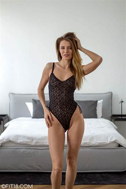 Mary Kalisy Fit18 4k Babe Surprise Returns