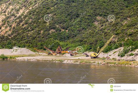 Cava Di Ghiaia - cava di ghiaia fotografia stock immagine 43313544