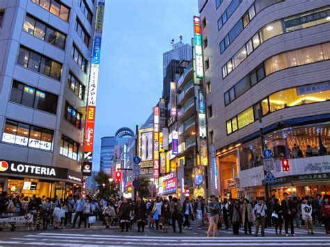 Where To Go At Night In Tokyo