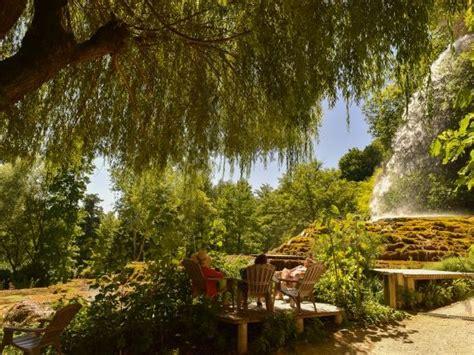 jardin des fontaines petrifiantes jardin des fontaines p 233 trifiantes beaux jardins et potagers