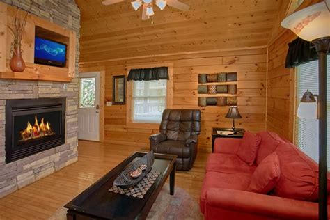 a lovers retreat 1 bedroom cabin rentals in pigeon forge tn