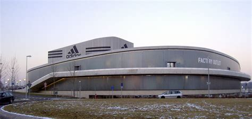 siege de nike file adidas factory outlet herzogenaurach jpg wikimedia