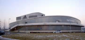 siege adidas file adidas factory outlet herzogenaurach jpg wikimedia